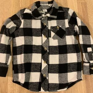 4/10$$ Old Navy flannel black and white 3T